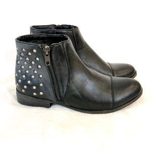 Madden Girl Dolo Black Studded Booties Boots 7.5